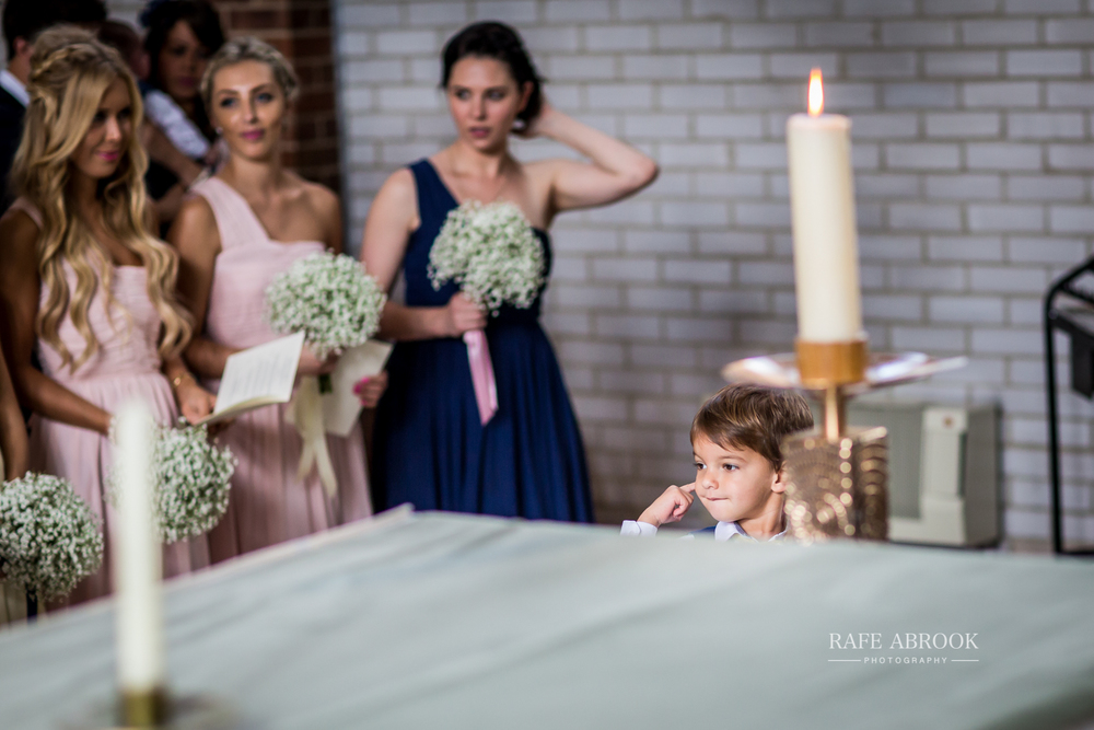 bassmead manor barns st neots cambridgeshire hertfordshire wedding photographer-1048.jpg