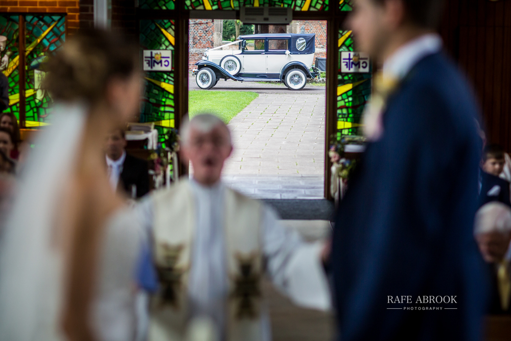 bassmead manor barns st neots cambridgeshire hertfordshire wedding photographer-1058.jpg