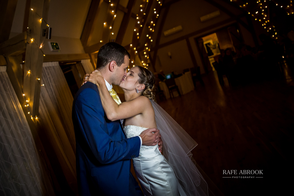 bassmead manor barns st neots cambridgeshire hertfordshire wedding photographer-1150.jpg