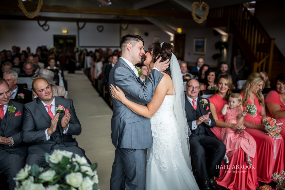 fishermans retreat ramsbottom lancashire bury hertfordshire wedding photographer-1205.jpg