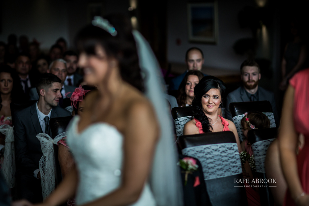 fishermans retreat ramsbottom lancashire bury hertfordshire wedding photographer-1169.jpg