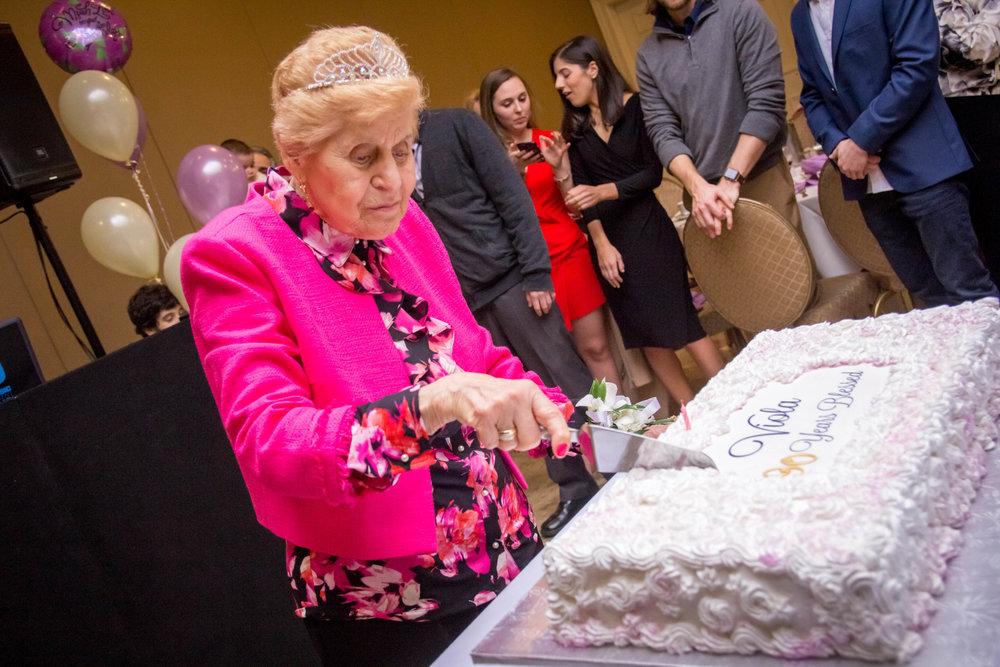 Viola_90th_Birthday291.jpg