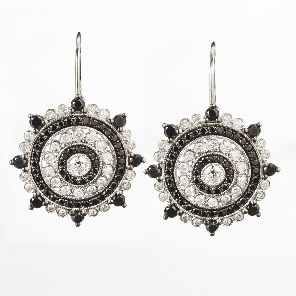 14 KARAT WHITE GOLD EARRINGS WITH BLACK DIAMONDS