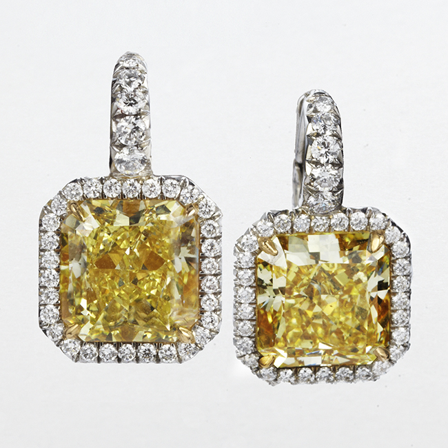 PLATINUM AND 18 KARAT YELLOW GOLD EARRINGS WITH YELLOW AND WHITE DIAMONDS