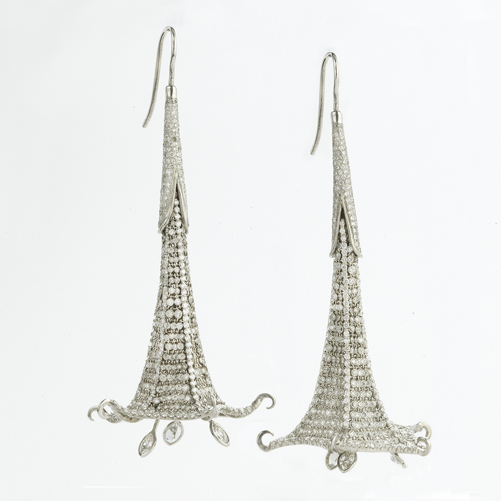 BRUGMANSIA EARRINGS