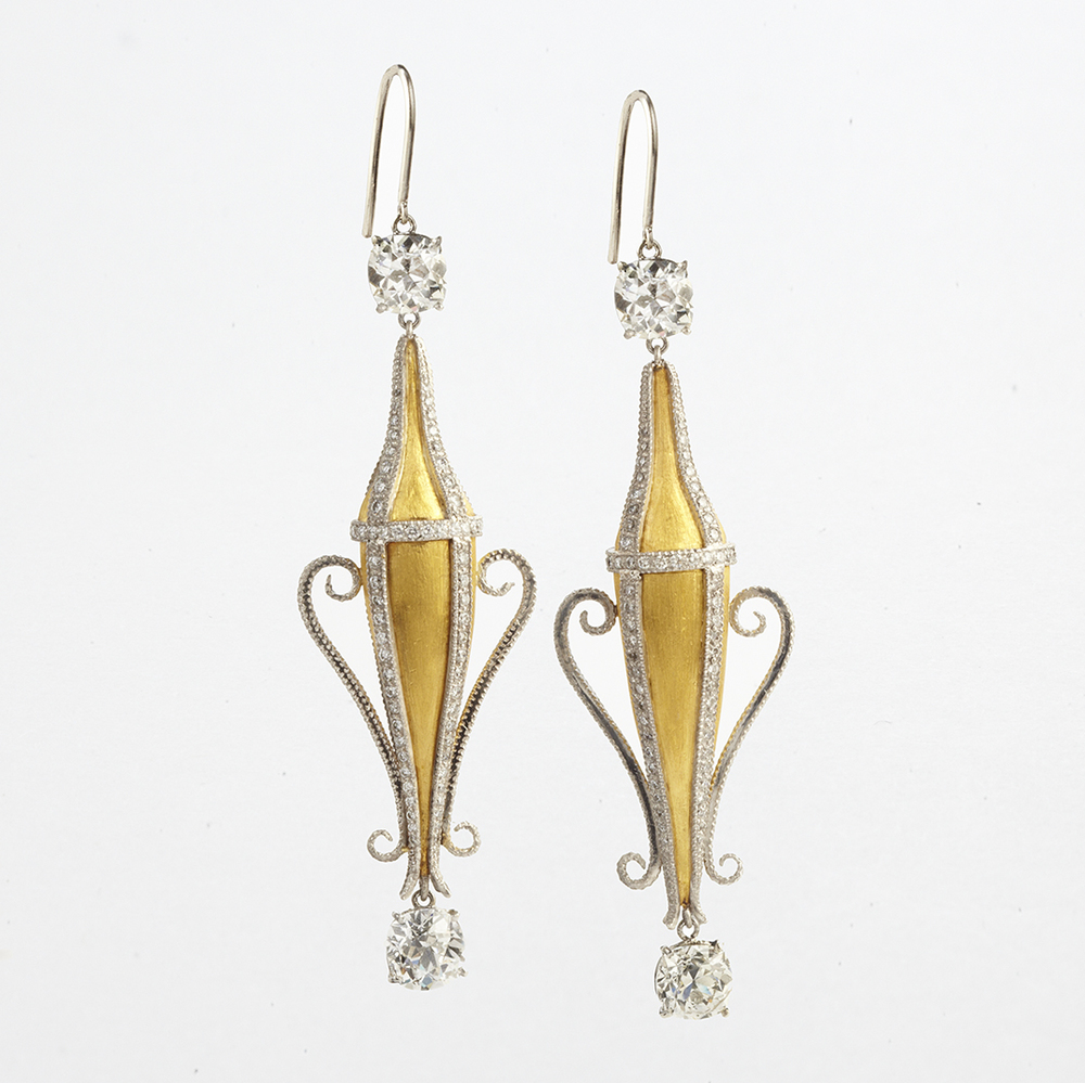 22 KARAT YELLOW GOLD, PLATINUM AND DIAMOND AMPHORA EARRINGS