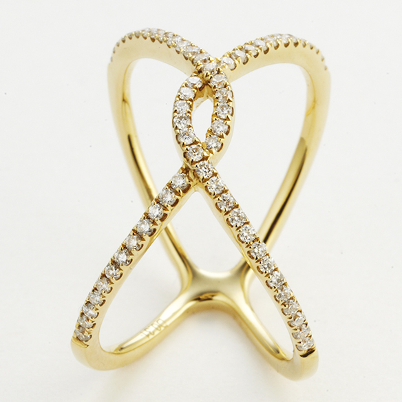 18 KARAT YELLOW GOLD AND DIAMOND FASHION RING