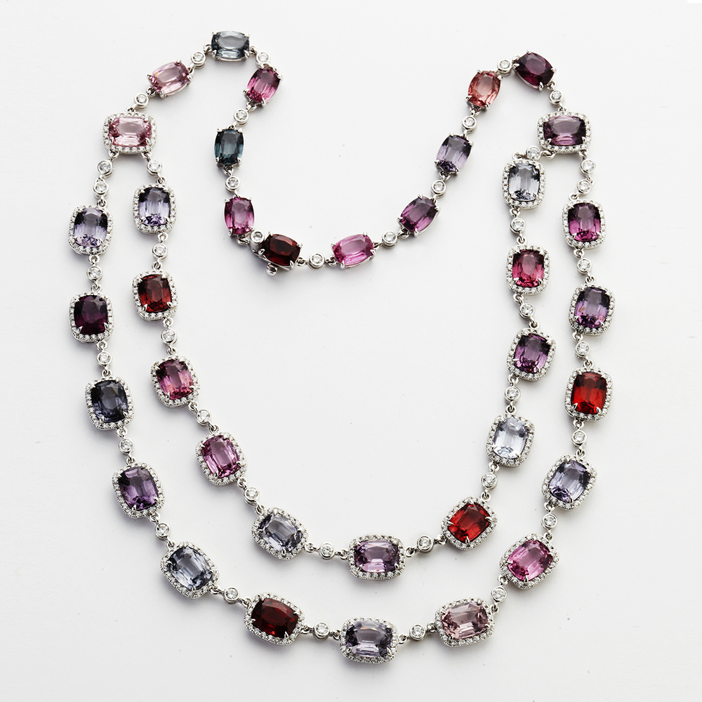 18 KARAT WHITE GOLD, SPINEL AND DIAMOND NECKLACE