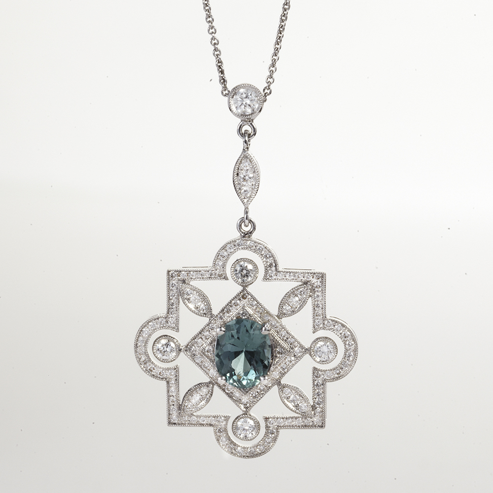 18 KARAT WHITE GOLD, AQUAMARINE AND DIAMOND PENDANT NECKLACE