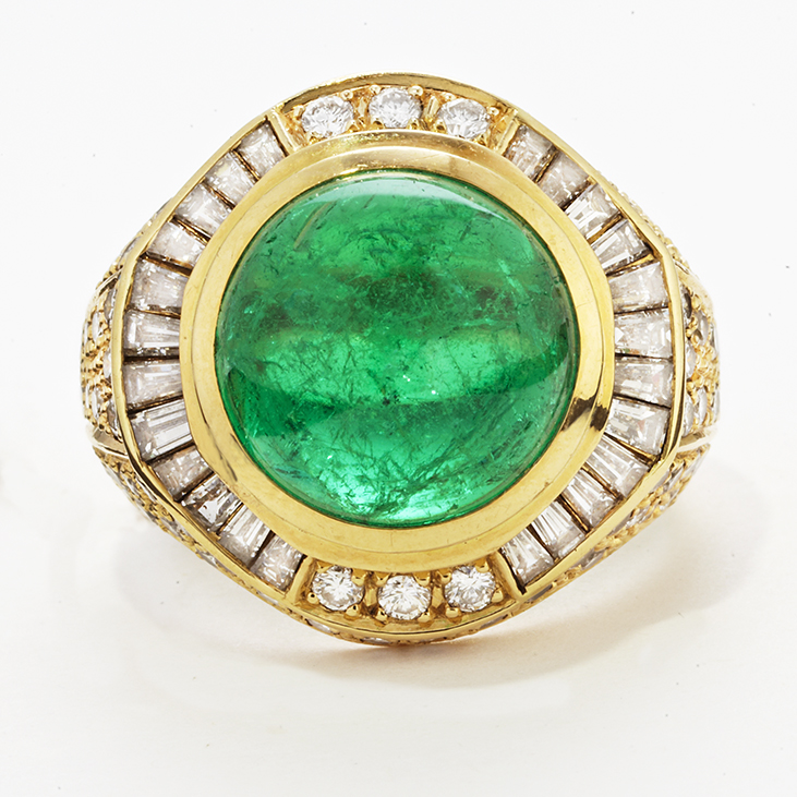 18 KARAT YELLOW GOLD, EMERALD CABOCHON AND DIAMOND RING