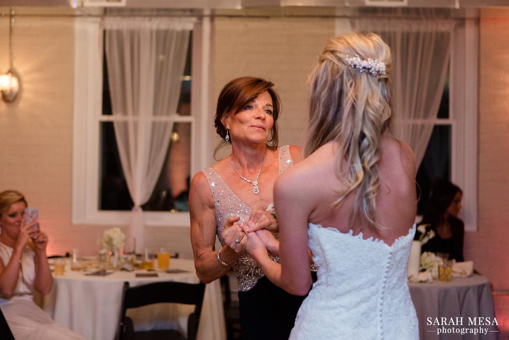 Sarah Mesa Photography | Louisville, KY Wedding Photographer