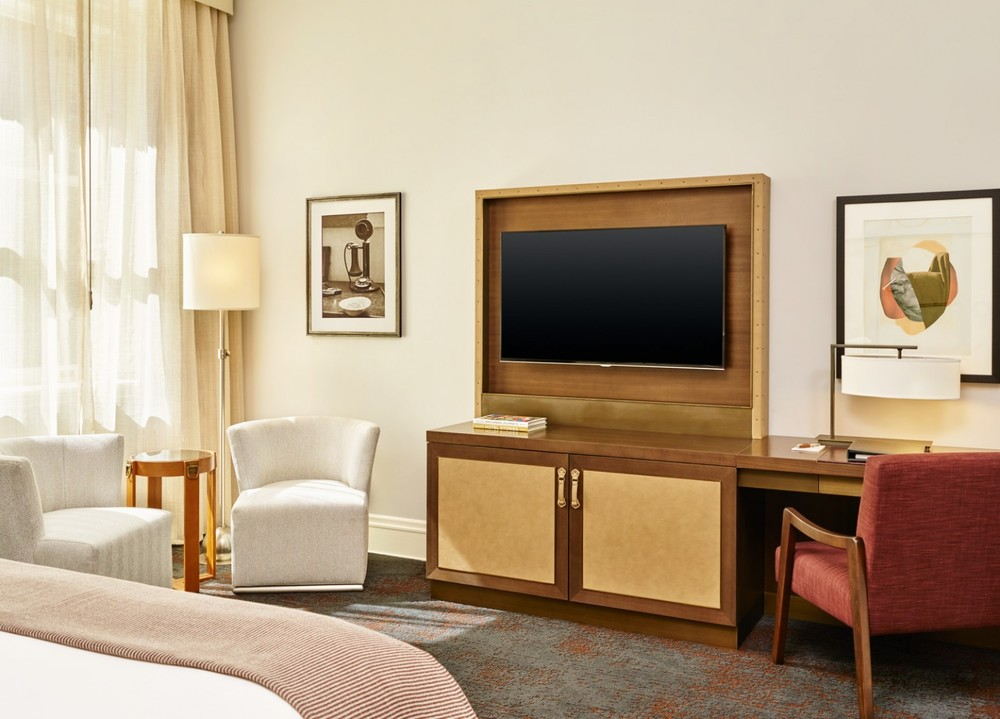 lux373de-166429-Palace-Desk-1440x1036.jpg