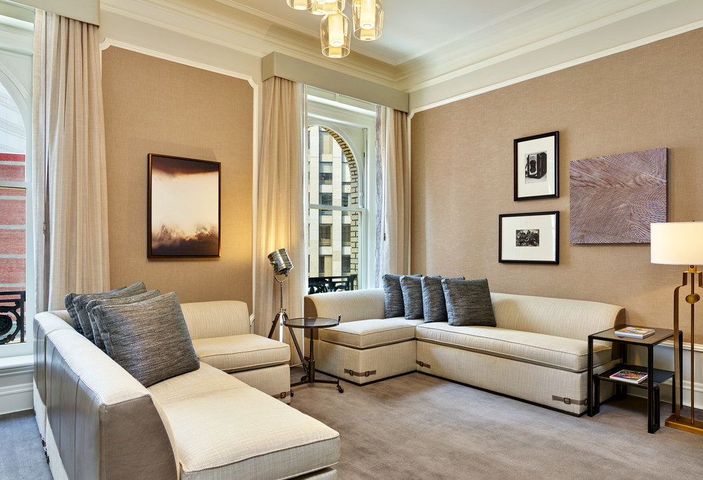 lux373gr-179298-Presidential Suite Media Room.jpg