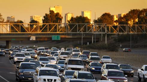 traffic jam daily commute gilbert arizona real estate.jpg