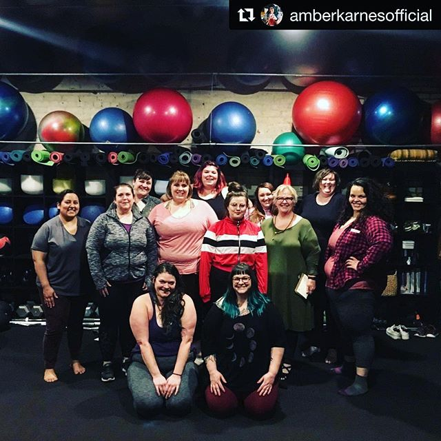 Last night with @amberkarnesofficial was amazing and so healing! 🌸💕 ・・・ Portland I love you!! 💋 Tonight's tag team class with @iamannachapman and me was such a blast. ❤️ We talked about reclaiming our power and debunking the lies that diet culture has sold us. We talked about uncovering internalized oppression and how community is necessary and healing. . 💥We moved our bodies, we breathed, we danced, we healed together. . I am so grateful for all of you. For spaces like this. Thank you. . #bodypositiveyoga #yogaforall #fatpositive #haes #bodyliberation