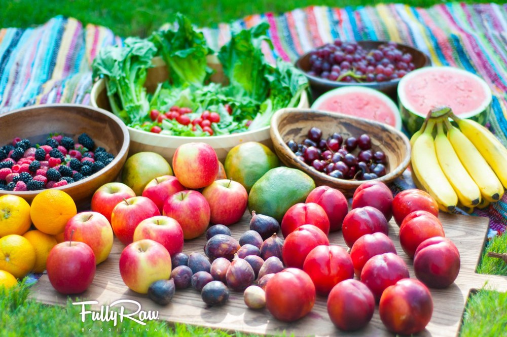 Eat the rainbow! Photo courtesy of fullyraworganic.com