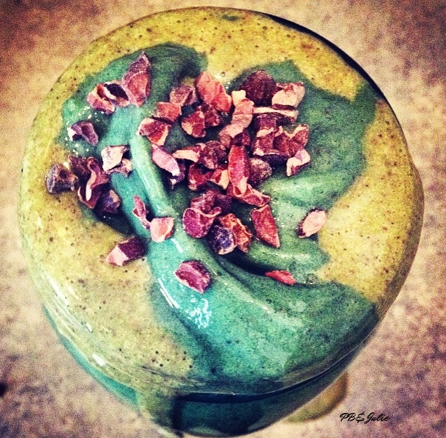 See that deep green? That's from the chlorophyll-rich spirulina. PB&Julie Rocking Mint Cacao Chip Smoothie.