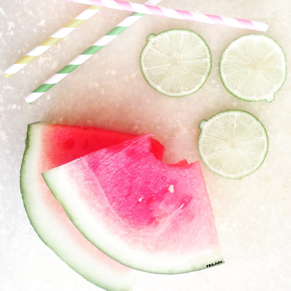 Could summer be any more beautiful? Up your glow and provide relief for your sore muscles with this delicious watermelon lime slushy on pb&julie.