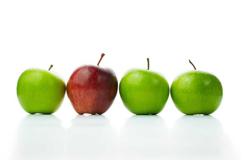 Roter Apfel in 4er Reihe.jpg