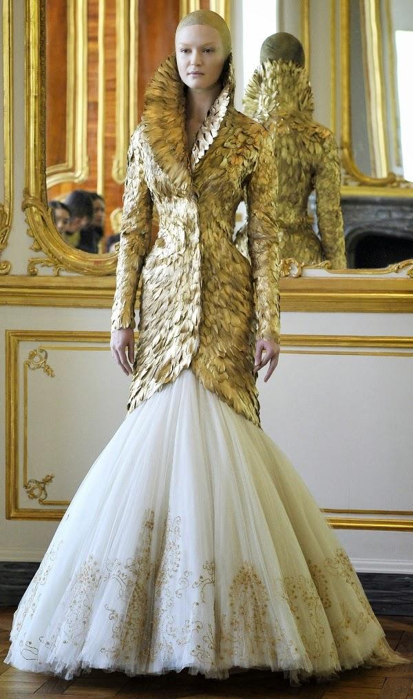AlexanderMcQueen-Fall- 2010-fashionado