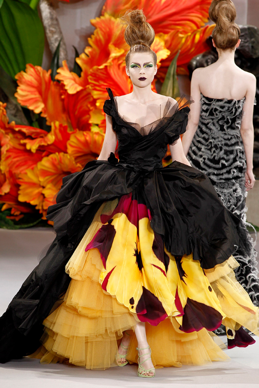 dior-couture-fall-2010-fashionado