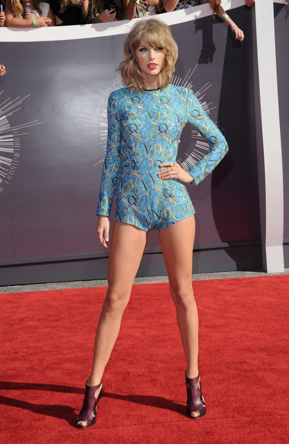 Taylor Swift in Mary Kantranzou at the MTV Video Awards