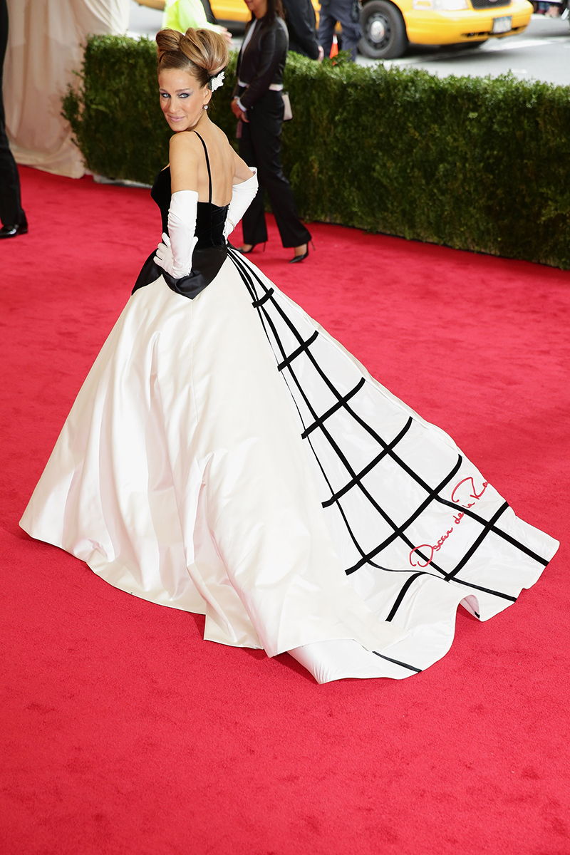 Sarah Jessica Parker in Oscar de la Renta at the Met Gala