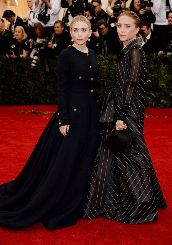 Ashley & Mary Kate Olsen in their vintage gowns at the Met Gala
