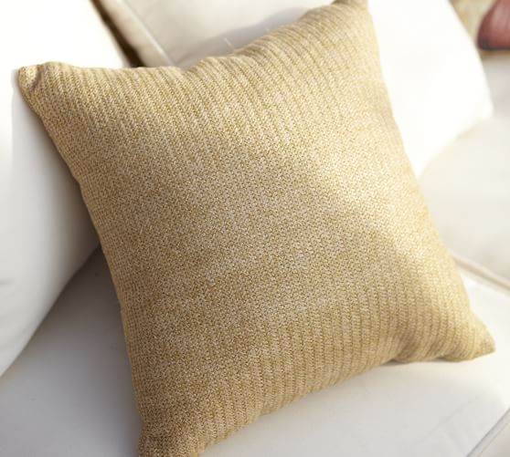 Faux Natural-Fiber Indoor/Outdoor Pillow – Pottery Barn