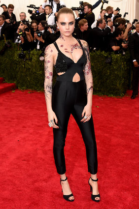 Cara Delevingne underwhelmed us in Stella McCartney.