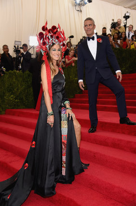 Sarah Jessica Parker  Dress: H&M / Hat: Philip Treacy