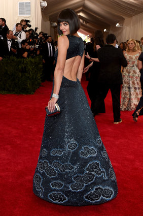 Katie Holmes in custom Zac Posen. Perfect dress, perfect hair, perfect pose.