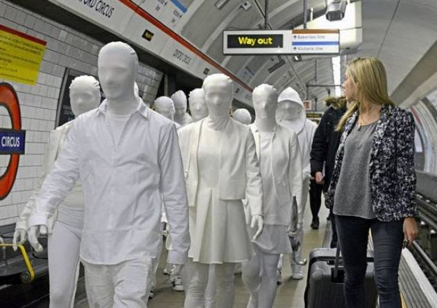london tube commuters