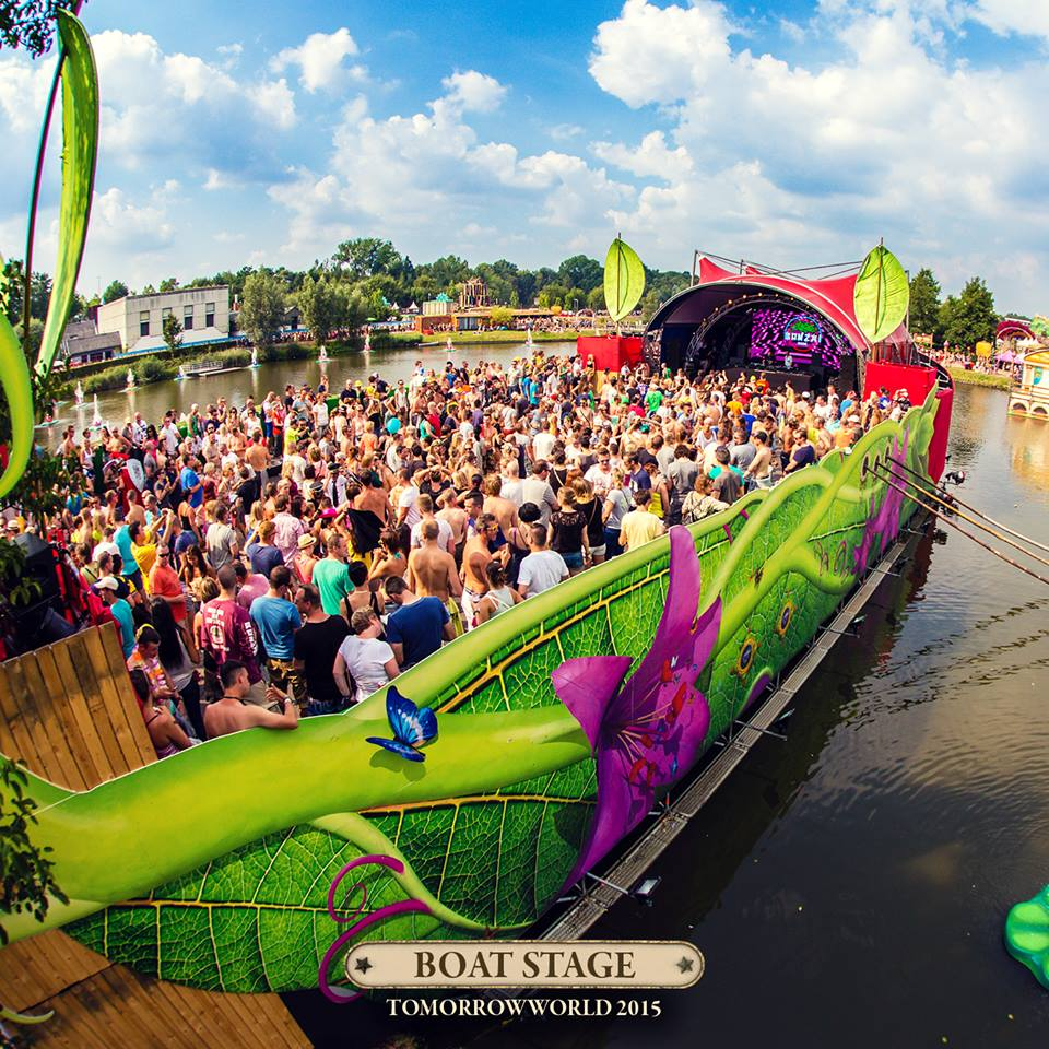 TomorrowWorld 2015 Boat Stage