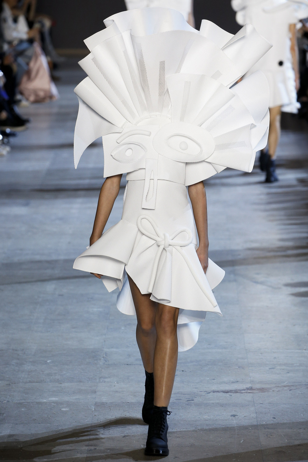 Viktor & Rolf Couture Spring 2016