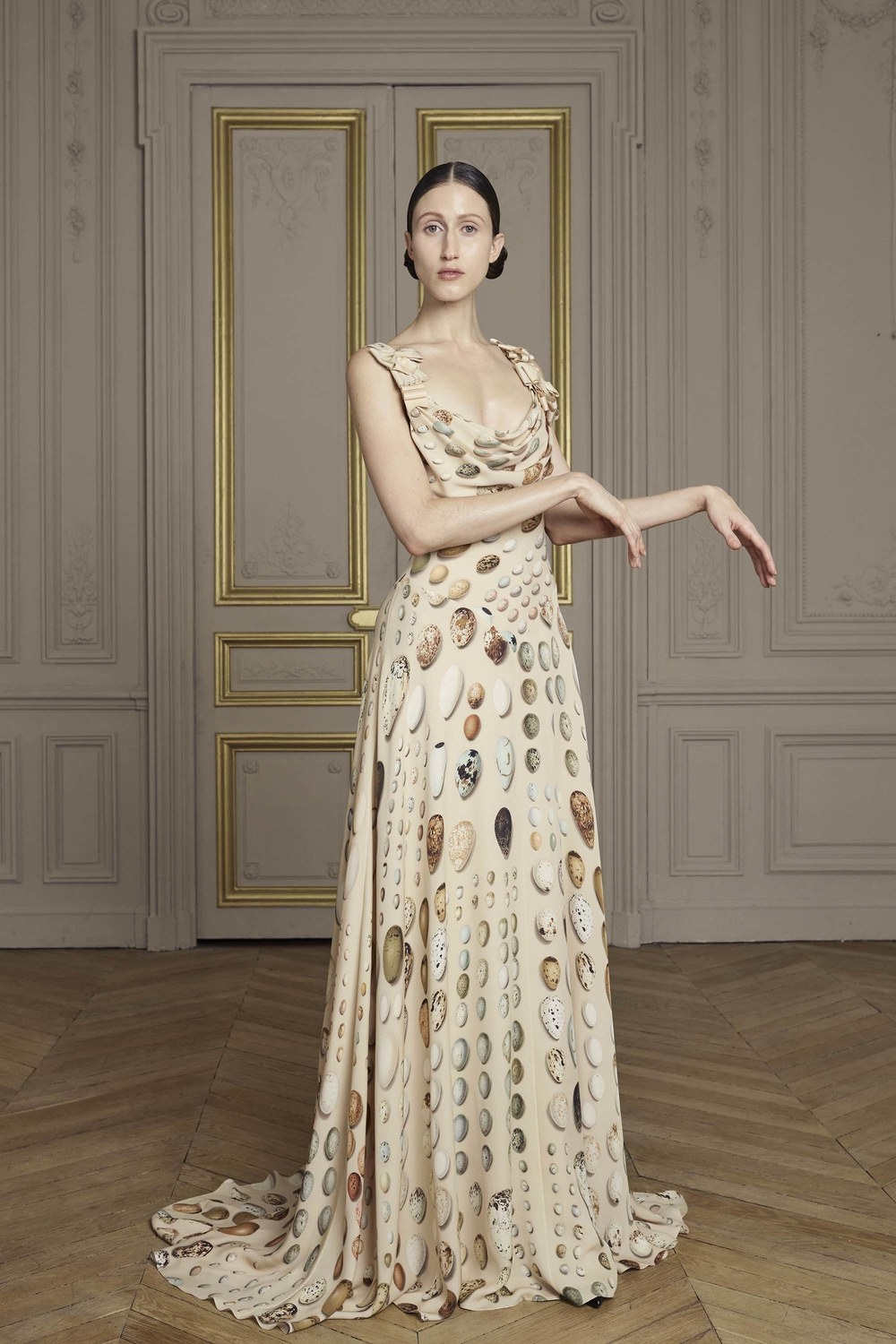 06-giles-deacon-couture.jpg