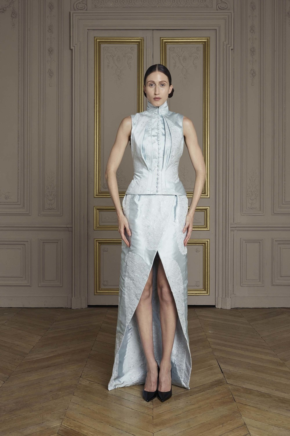 21-giles-deacon-couture.jpg