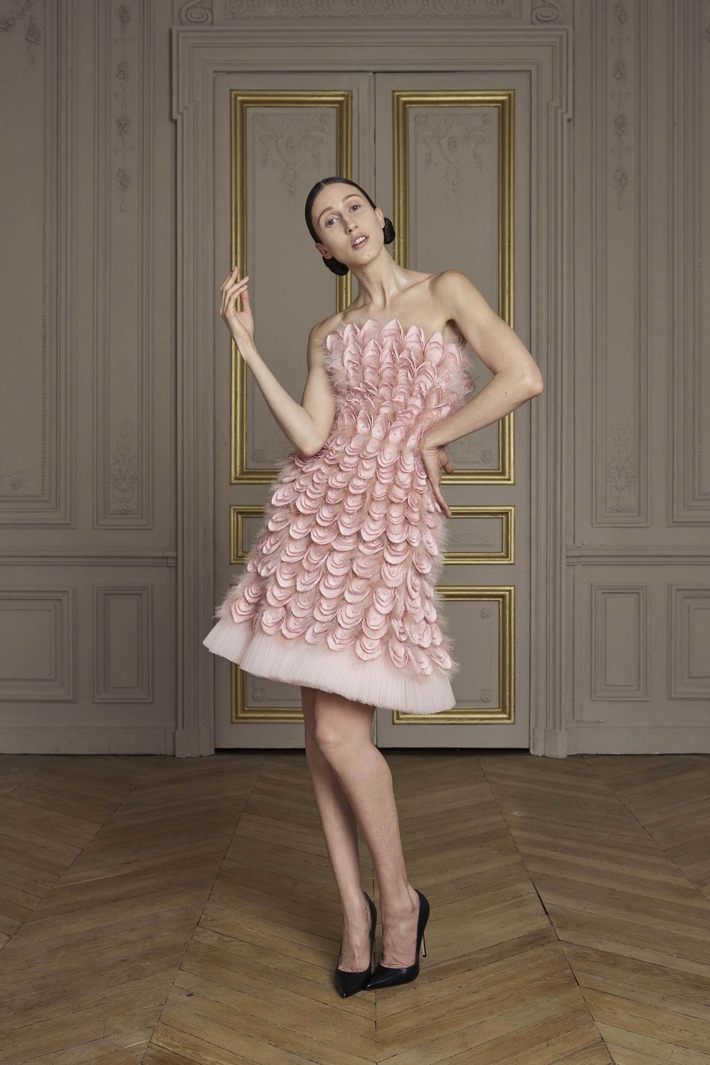 23-giles-deacon-couture.jpg