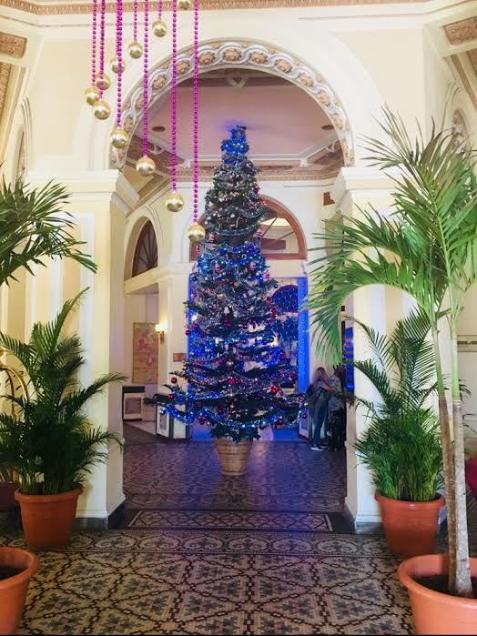 merry christmas tree cuba