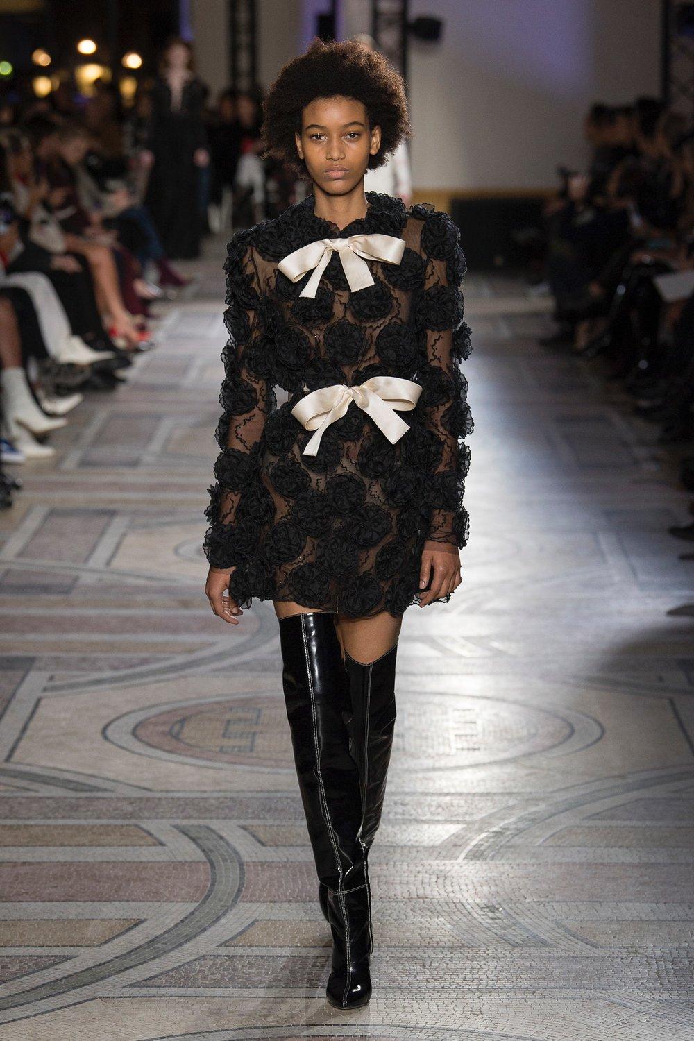 Giambattista Valli Spring 2018 Couture