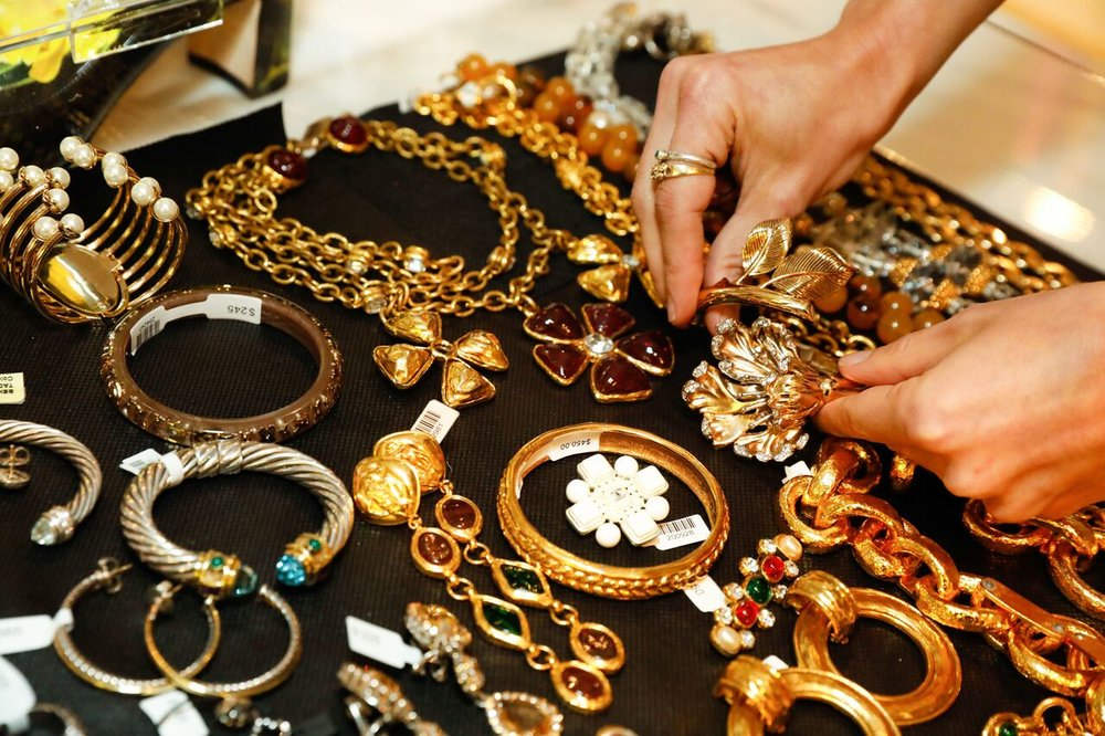 CatMax_Photography_Luxury_Garage_Sale-0970_preview.jpg