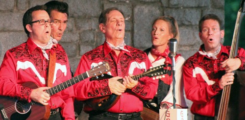 Christopher Kent (from left), Chris Damiano, Scott DePoy, Laura Lindahl and Mark W. Schroeder. Photo: Georgia Ensemble Theatre