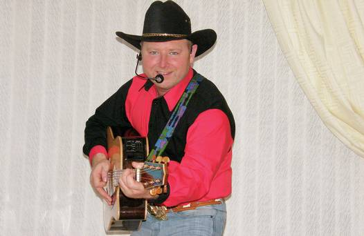 Jason Hughes, who will perform his critically-acclaimed Garth Brooks tribute show at the Big Marquee Weekend in Macosquin