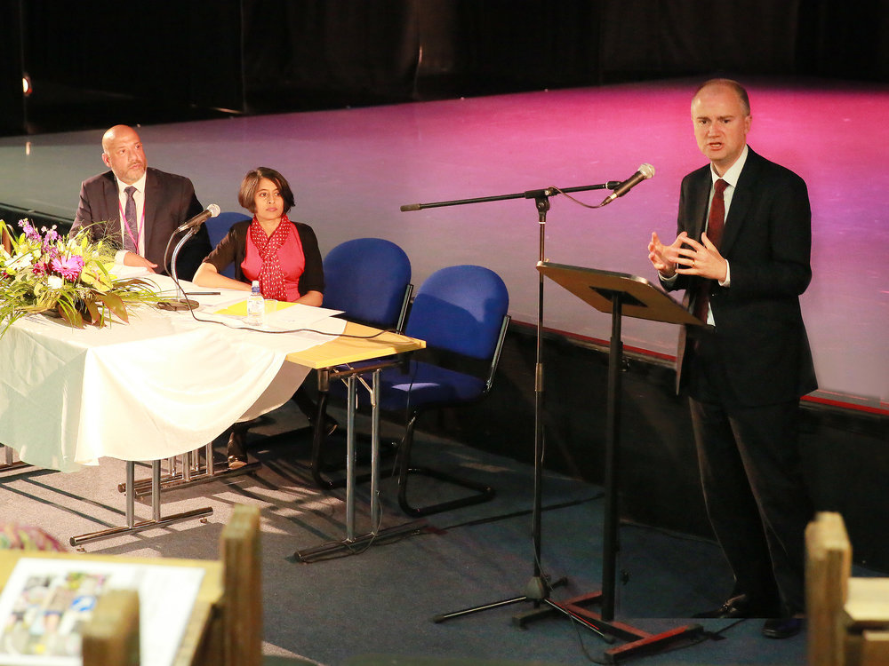 Tom Riordan, chief executive of Leeds City Council, addressing Unity's Annual General meeting in 2015