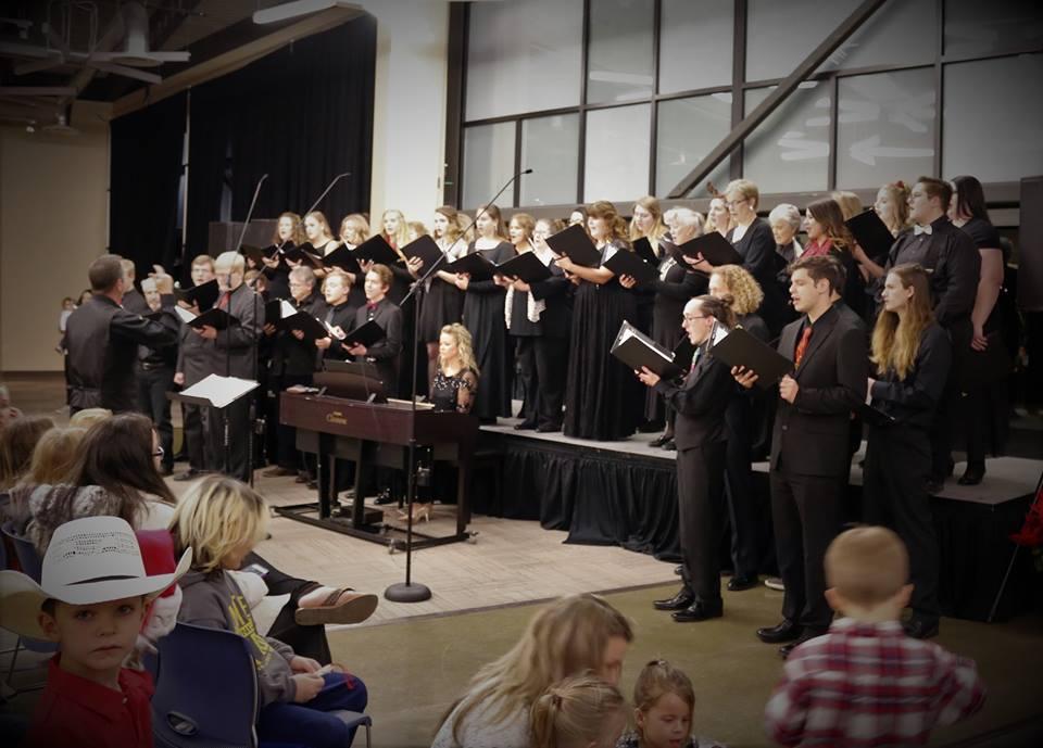 collegiate choir 2018.jpg