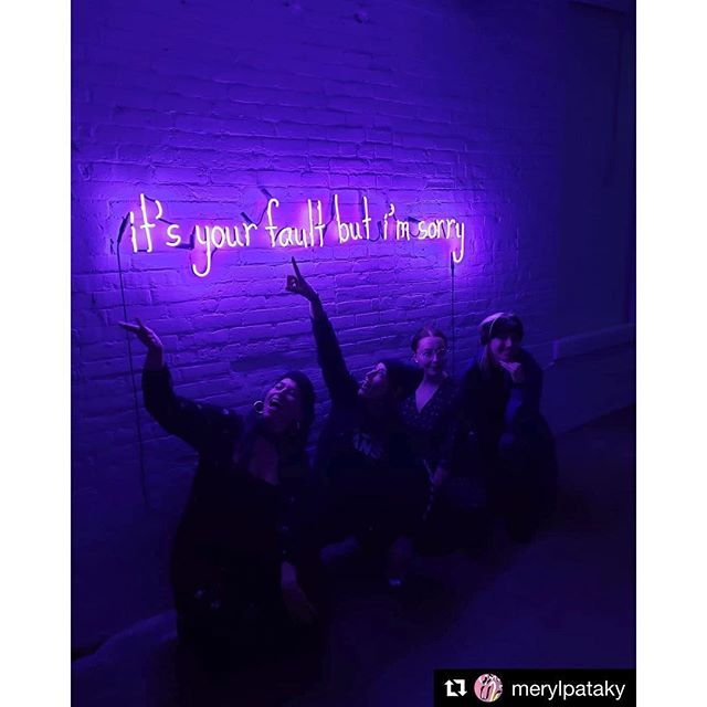 too many photos to post, so many laughs shared • thank you for everything @varwestgallery @merylpataky @joshhintz @shebendsneon • show open until end of March #shebends #varwestgallery #neon #neonart #womeninneon #womanartist #jewishartist #milwaukee #wisconsin #brooklyn #nyc