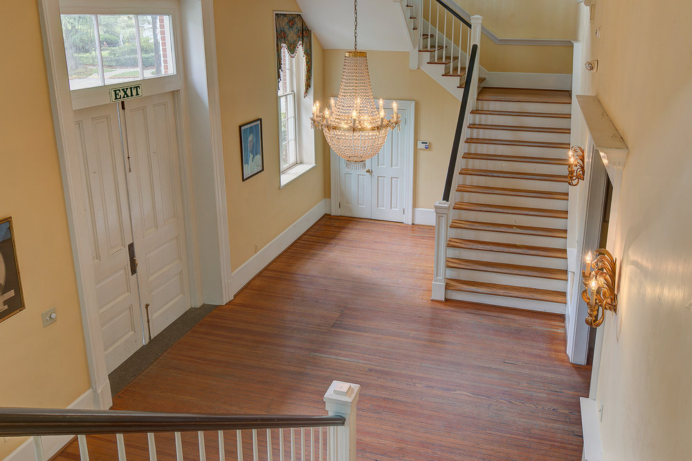 Winyah Indigo Hall - Stairway down to Foyer