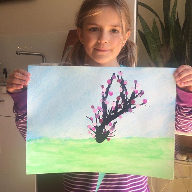 Mindful Crafts-  In this class we celebrate spring with watercolour cherry blossoms.  With a straw and black paint we blow out the trunk and branches.  Then we use our finger tips dipped in paint to create the blossoms. @kidscrafts @kidsyoga @kidsmindfullness @crafts @cherryblossoms @nature @meditation @springtime @mindfulness