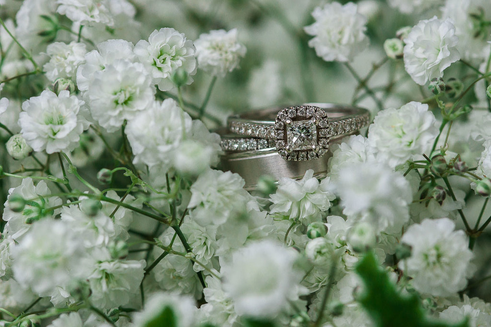 baby's breath ring shot fayetteville ar wedding photographer