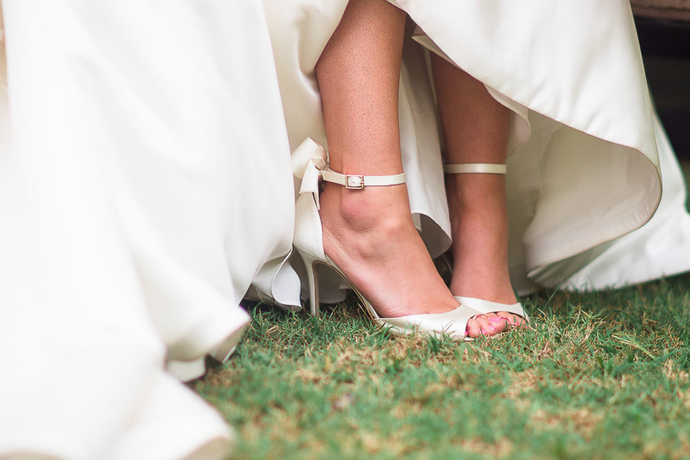 kate spade bow wedding shoes designer modern glam wedding fayetteville ar wedding photographer